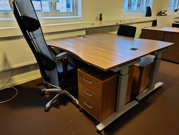 Desks with wheels, König + Neurath UNO.S