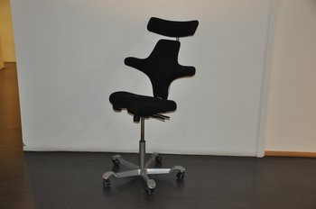 Office chair, HÅG Capisco 8107 with headrest - Black