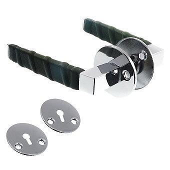 Dörrtrycke blank krom/grön läderlindat inkl. nyckelskyltar