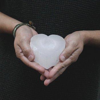 Hjärta i Selenit Värmeljushållare