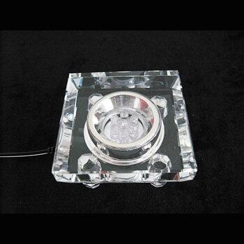 Eldriven LED Displaylampa i kristall