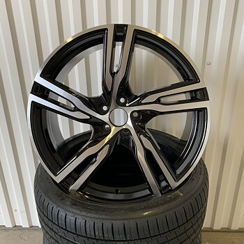 "18"" R-spoke Black/pol 5/108"
