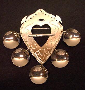 Lövabrosch dekorerad i Silver