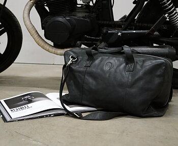 FÖRBESTÄLL - Travelbag Black Leather
