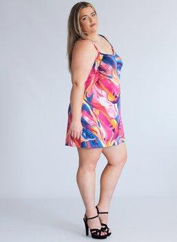 Klänning med smala axelband, rosamönster