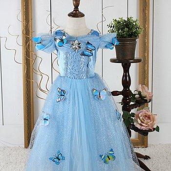 Blå sagoklänning med fjärilar