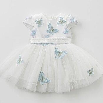 Klänning med blå fjärilar