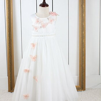 Ivory prinsessklänning i tyll med fjärilar lång
