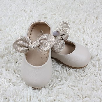 Ivorygrå skor med guldrosett baby och barn