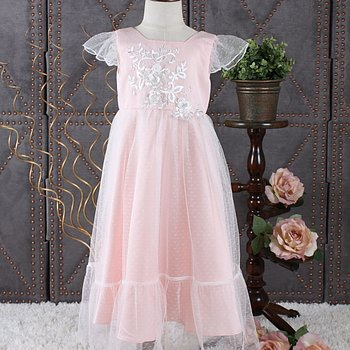 Pink princess dress in tulle with small sleeve and application