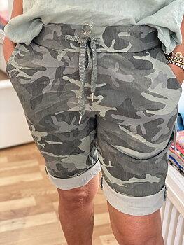 Camo Shorts Kaki med gröna toner
