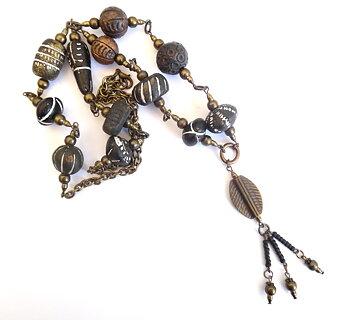 Halsband med afrikanska pärlor