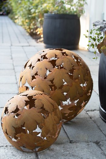 Lind Decoration Rusty Metal Sphere 30cm