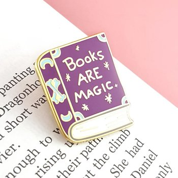 Books are magic : Enamel Pin