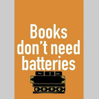 Books don't need batteries : Vykort