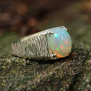 "Ring""Brave"" Opal"