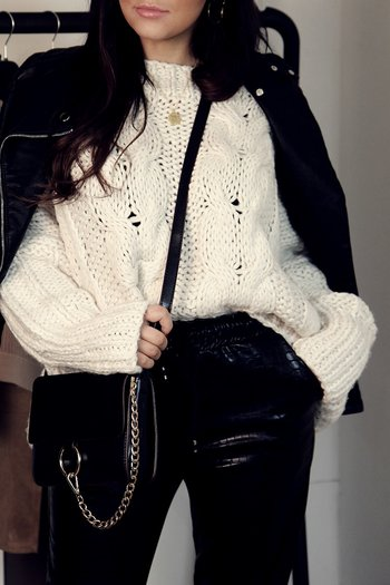 CHUNKY KNITTED JUMPER CREAM