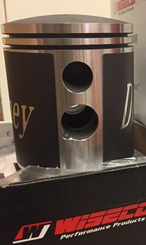 One ( 1 )  Donney piston 70.25 mm