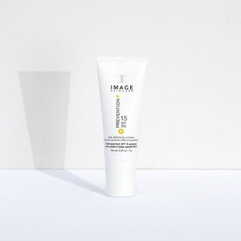 PREVENTION+ daily lip defense SPF 15