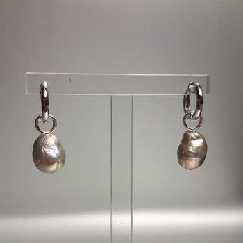 Hänge för creolring stor metallic barockpärla
